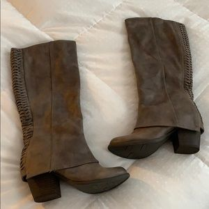 BRAND NEW NEVER BEEN WORN FERGALICIOUS BOOTS